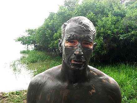 Anderson Cooper Covers Himself with Mud During Colombian Volcano Vacation