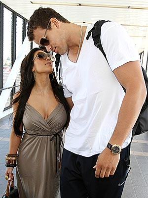 Kim Kardashian, Kris Humphries Leave for Honeymoon