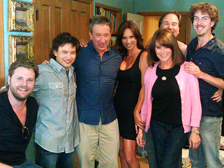 Jonathan Taylor Thomas Pictures with Home Improvement Cast