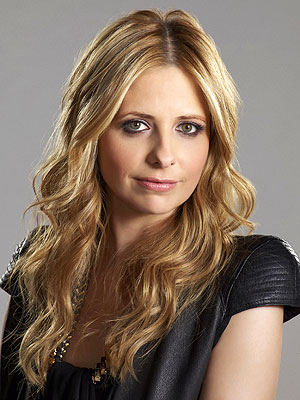 Ringer Premiere: Sarah Michelle Gellar Returns to TV