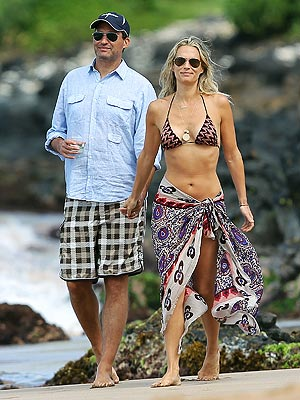 Molly Sims Married to Scott Stuber, Honeymoon in Maui