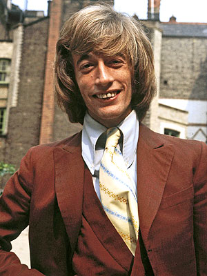 Robin Gibb Has Pneumonia, Is in a Coma