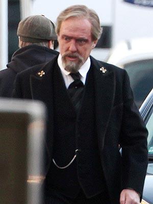 Hugh Grant Incognito Filming Cloud Atlas