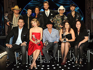 CMT Artists of the Year: What Taylor Swift, Brad Paisley Ate | Brad Paisley, Charles Kelley, Dave Haywood, Hillary Scott, Jason Aldean, Kenny Chesney, Lady Antebellum, Taylor Swift