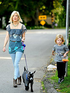 Spotted: Tori Spelling Walks her Pet Goat