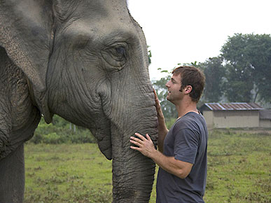 Dave Salmoni Meets Murderous Animals in 'World's Deadliest Towns'
