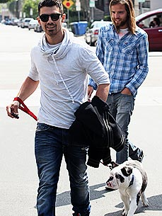 Joe Jonas Wants His Dog to Play Piano