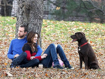 Adam Shulman Engaged to Anne Hathaway: Picturesin Park