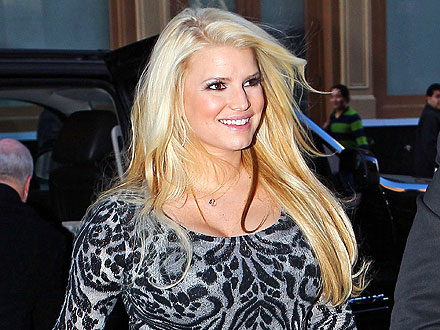 Jessica Simpson&#39;s Spirited Seafood Dinner