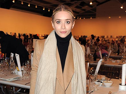 Ashley Olsen Eats at the Same Restaurant Twice in One Day!