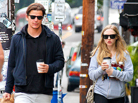 Amanda Seyfried and Josh Hartnett Sample Snacks at Farmers' Market