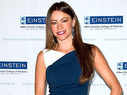 Sofia Vergara Hits the Dance Floor with a Fan
