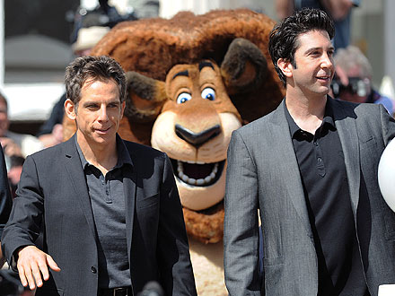 Cannes Film Fest: Ben Stiller, David Schwimmer Get Photo-Bombed