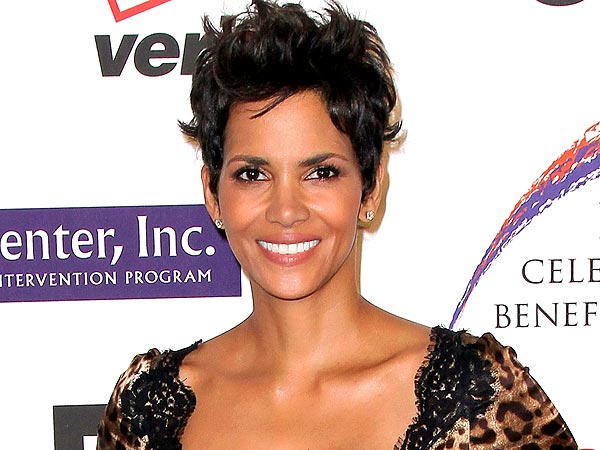 High-Spirited Halle Berry Sips Wine with Pals in L.A.
