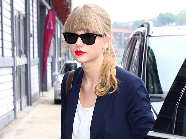 Taylor swift ray ban