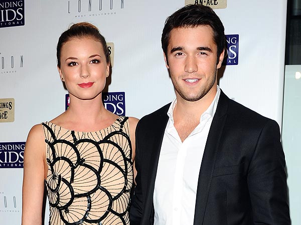 Revenge's Emily VanCamp Shows Off Her 'Poker Face' at Charity Event