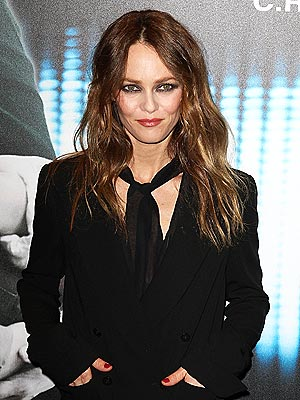 Vanessa Paradis Not with Johnny Depp on Red Carpet