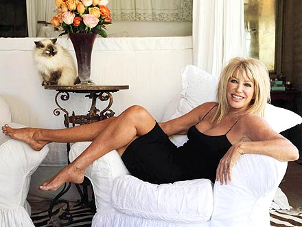 Suzanne Somers Gets Experimental Breast Reconstruction