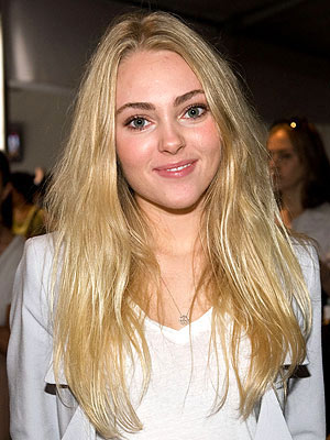Sex and the City Prequel Gets AnnaSophia Robb as Star