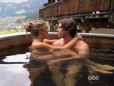 The Bachelor: Ben Flajnik Felt In Love with Lindzi Cox