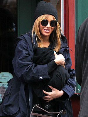 Beyonce Knowles Takes Blue Ivy Carter to Lunch in New York City