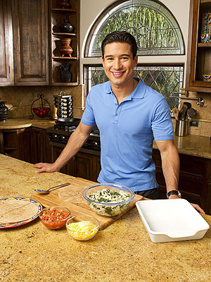 NCAA Basketball 2012: March Madness - Make Mario Lopez&#39;s Nachos