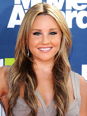Amanda Bynes Asks President Obama to Fire Cop Who Arrested Her