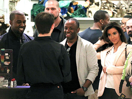 Kim Kardashian and Kanye West Dating: Step Out to Dinner in New York