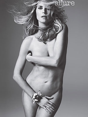 Heidi Klum Poses Nude