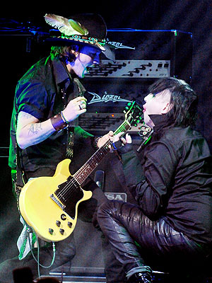 Johnny Depp & Marilyn Manson Rock Out in Los Angeles (VIDEO)