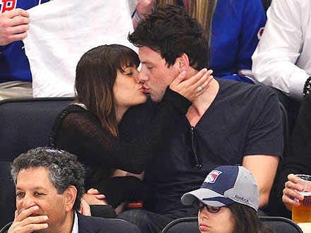 Lea Michele & Cory Monteith Smooch at Hockey Game
