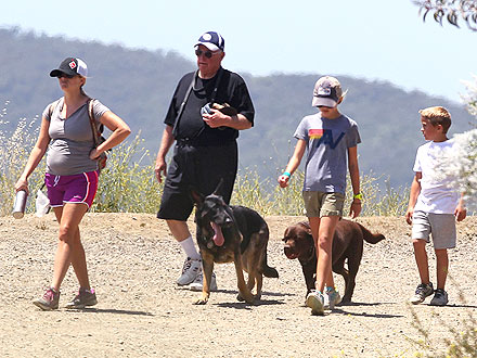 Reese Witherspoon Parents Legal Battle: She & Dad John Go Hiking
