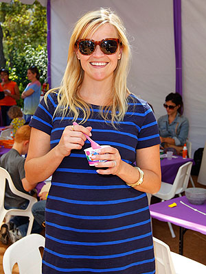 Reese Witherspoon Pregnant: Takes Her Kids to Kidstock in L.A.