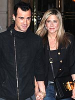 Jennifer Aniston Takes Justin Theroux to a Favorite Restaurant in Paris | Jennifer Aniston, Justin Theroux