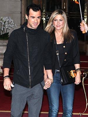 Jennifer Aniston Takes Justin Theroux to a Favorite Restaurant in Paris