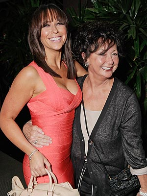 Jennifer Love Hewitt's Mother, Patricia Hewitt, Dies