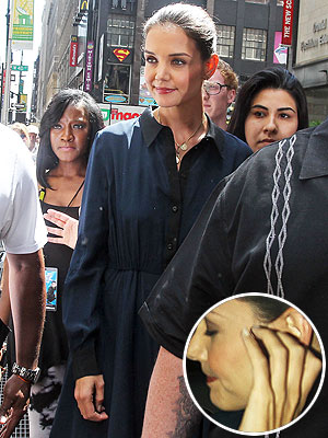 Tom Cruise Divorce -- Katie Holmes Steps Out Without Wedding Ring