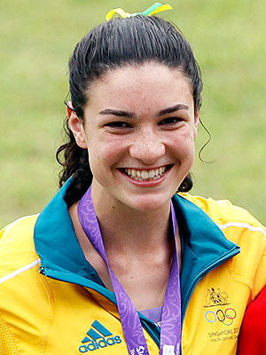 Michelle Jenneke in Viral Video Smash; Australian Runner Dance Video