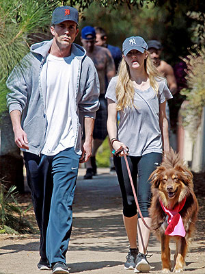 Amanda Seyfried Steps Out with Dexter Actor Desmond Harrington