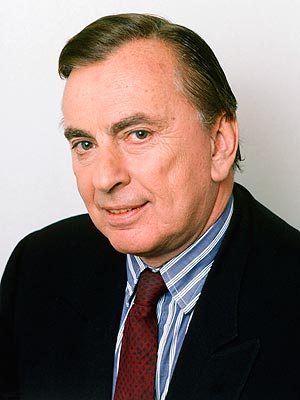 Gore Vidal Dead; Prolific Writer Dies of Pneumonia Complications