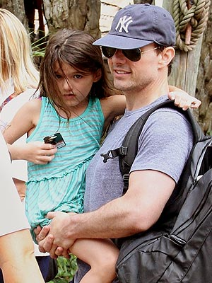 Tom Cruise & Suri Make a Splash at Disney Water Park