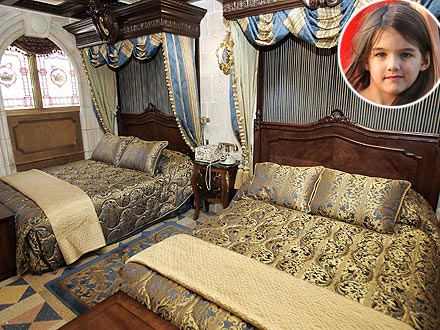 Suri Cruise, Tom Cruise, Cinderella Castle Suite at Disney World