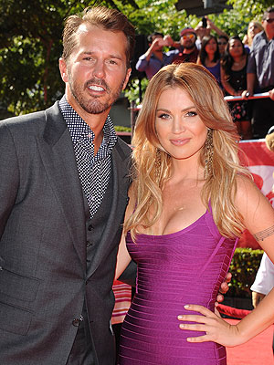 Willa Ford with cool, Husband Mike Modano