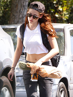 Kristen Stewart Photographed Out in L.A. After Cheating Scandal