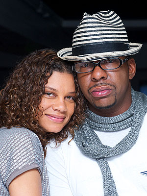 Bobby Brown Gets Engaged – On Stage!