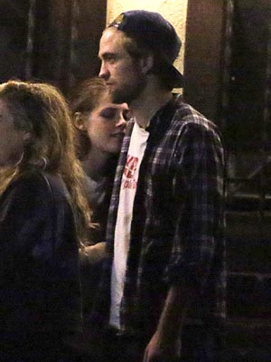 Kristen Stewart  on Kristen Stewart  Robert Pattinson Photographed Together After Tryst