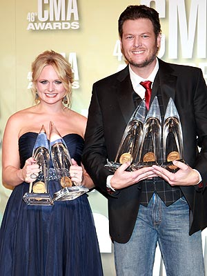 CMA Awards: Blake Shelton, Miranda Lambert Big Winners