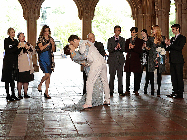 Gossip Girl Series Finale - Gossip Girl&#39;s Identity Revealed