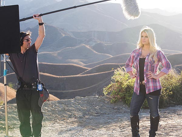 Jessica Simpson Reveals Her Weight Watchers Body