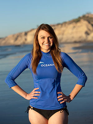 Aimee Teegarden Dives with Sea Lion Pups